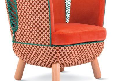 Зашнурованные стулья фото